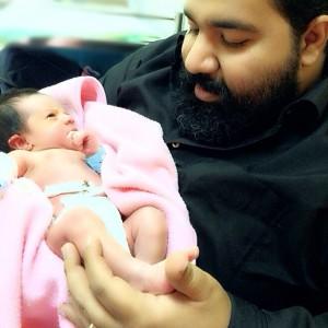 عکس یک روزه گی تیارا دختر رضا صادقی