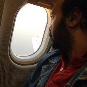 عکس کامبیز دیرباز در هواپیما