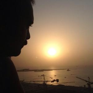 عکس کامبیز دیرباز در غروب خلیج فارس
