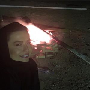 عکس مهراوه کنار آتش