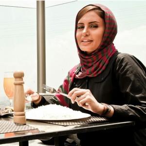 عکس الناز شاکر دوست در رستوران