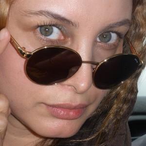 عکس های مریم کاویانی با عینک آفتابی