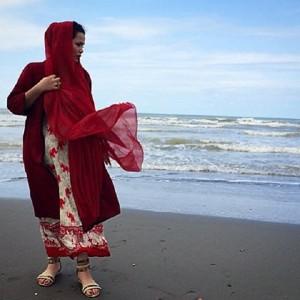 عکس های ملیکا شریفی نیا در دریا